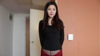 Yemo chinese girl doing her first porn casting